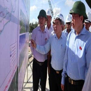 Phó Chủ tịch Quốc hội Phùng Quốc Hiển đồng tình với dự án cấp nước sinh hoạt cho người dân ĐBSCL